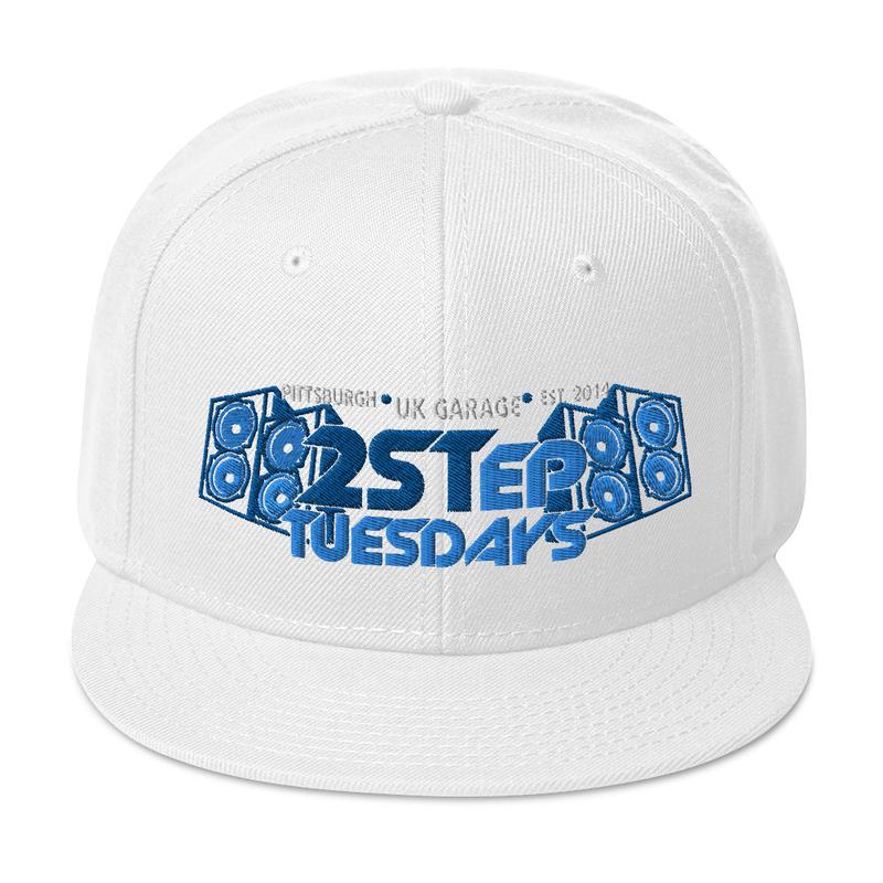 Snapback Hat - grey brim underside