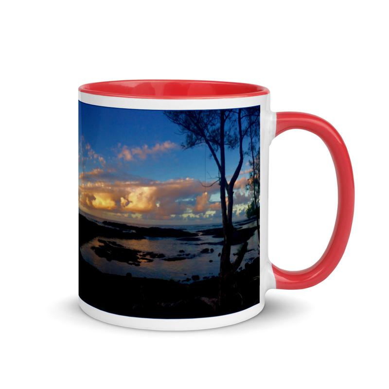 Hilo Puhi Bay - Mug with Color Inside