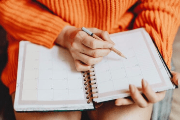 10 Steps to Jumpstarting your Holiday Preparations [Free Checklist Inside]