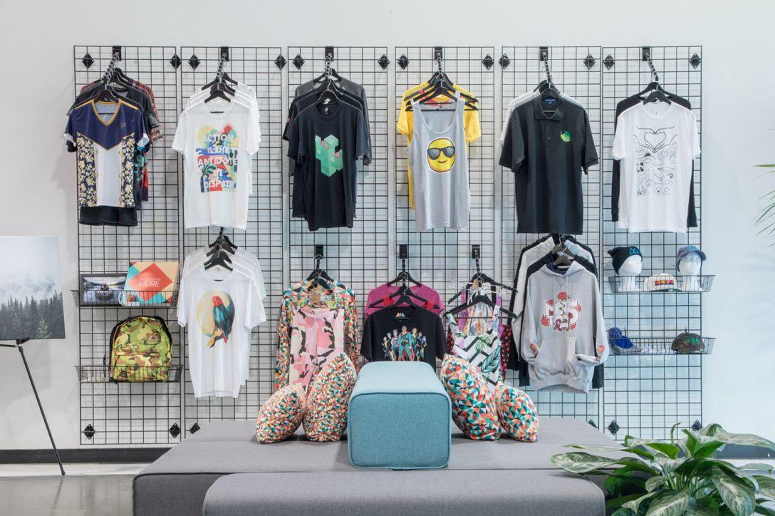 Diseños de ropa de trabajo personalizada