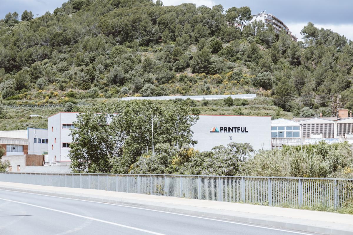 Printful anuncia la búsqueda de empleados para su centro de producción y logística de Barcelona